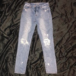 High Wasted Light Wash Jeans